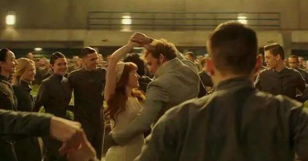 Annie and Finnick dance at their wedding! | Hunger Games ...