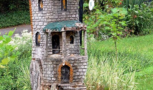 Decoraci n de jardines peque os castillos creados en for Decoracion jardin gnomos