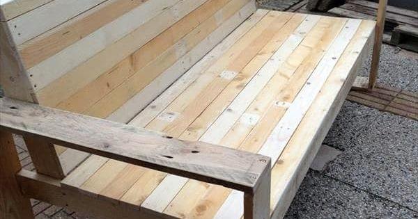 des id es de recyclage pour des palettes en bois lits. Black Bedroom Furniture Sets. Home Design Ideas