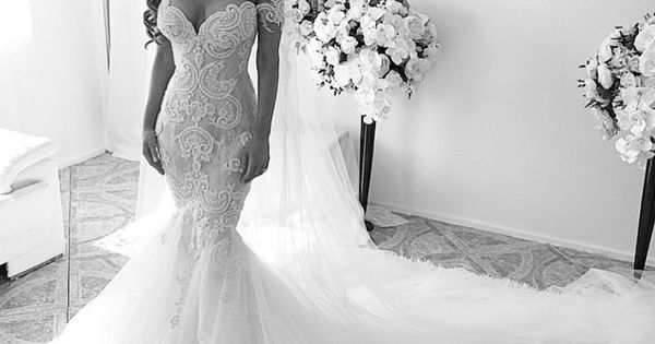 Classy Mermaid Wedding Dress And Long Veil Is Perfection
