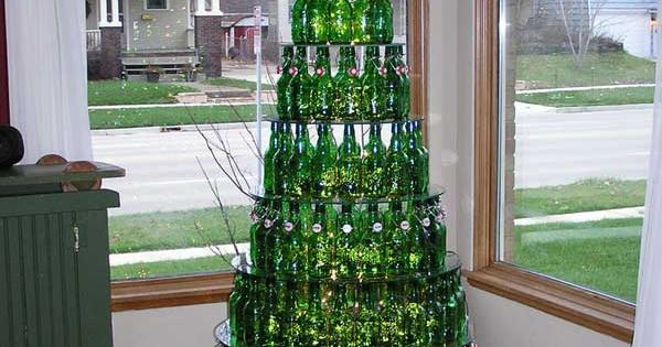 Unusual Christmas trees - 10 Pics | Christmas tree made of beer