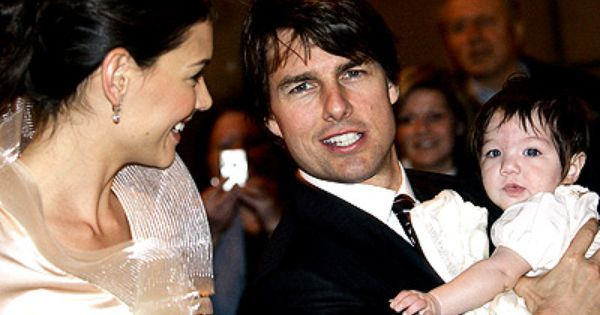 When Leah Remini Said She Was Going To Tell All About Tom Cruise She Wasn T Joking Tom Cruise Celebrity Wedding Photos Celebrity Couples