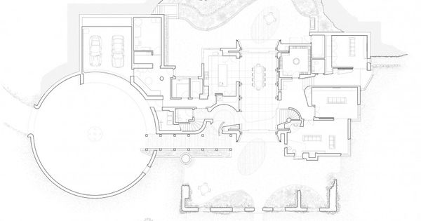 Majestic downley house with cylindrical entrance hall for Irregular house plans