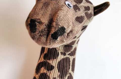 Giraffe Sock Puppet DIY by craftyjr : Use an old sock! Giraffe