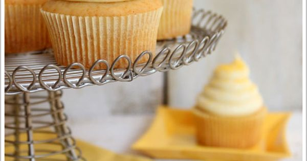 Honey Cupcakes with Honey Cream Cheese Frosting | Idea via @Savannah Bee
