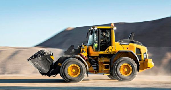 Volvo H Series Wheel Loaders Master Durability And Efficiency Rock Dirt Blog Construction Equipment N Construction Equipment Volvo Construction Vehicles