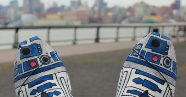 R2D2 Shoes: These beautifully hand painted Toms are available on Etsy by
