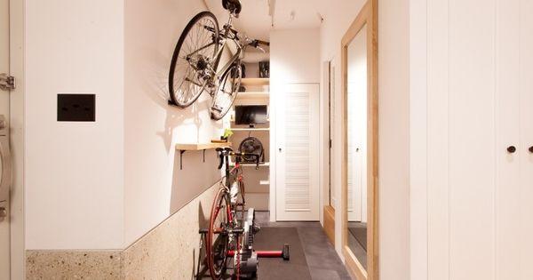 玄関土間の一角はご主人の自転車スペース 自転車を収納する場所も