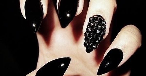 Rihanna Spiked Claw Nails: How To DIY And More Studded ...