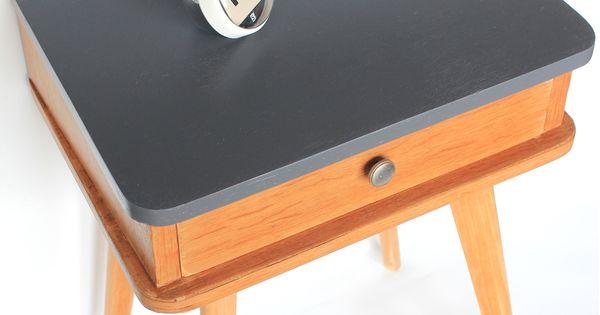 Petit meuble d 39 appoint chevet ou table de nuit des ann es for Table exterieur largeur 60 cm
