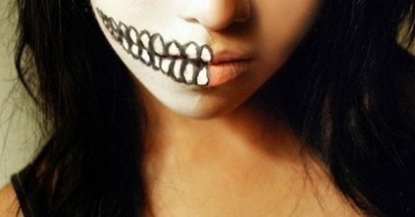 Halloween make up 21 Creative Halloween MakeUp Ideas