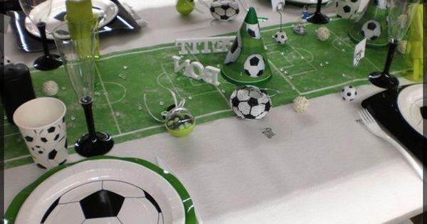 Une table d 39 anniversaire sp ciale football sympa pour un petit gar on fan de foot - Decoration anniversaire football ...