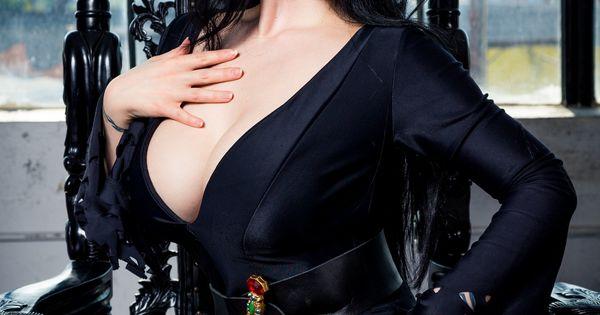 May 21 2019 Womens Deluxe Elvira Costume More