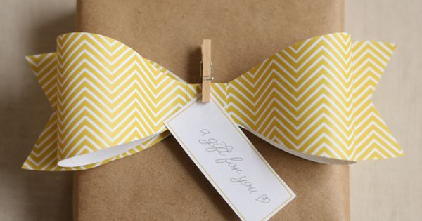 Big bow wrapping... and a lot of other adorable wrapping ideas