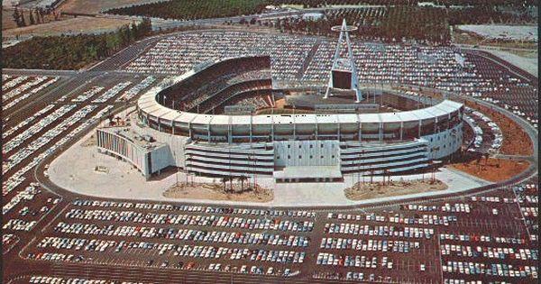 Old Pictures Of Anaheim California Aerial Of Anheim Stadium In 1966 Angel Stadium Anaheim Angels Baseball Anaheim