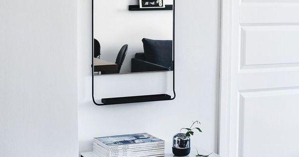 Finnish home with dark furniture (COCO LAPINE DESIGN