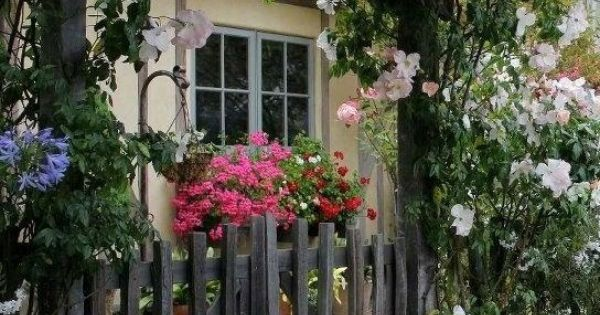 Zsazsa bellagio like no other home sweet home cottage charm garden pinterest deuren - Hellende tuin ...