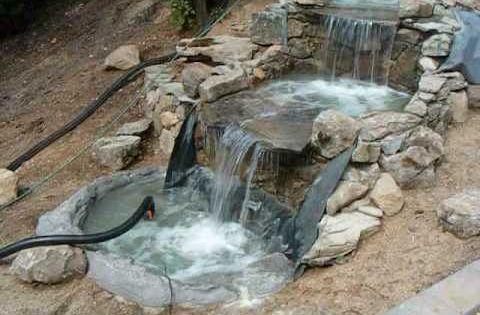 Construccion de una cascada fuente waterfall - Fuentes solares para jardin ...