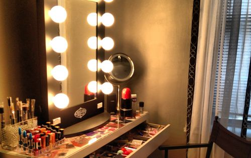 Vanity broadway mirror Makeup Obsession Pinterest More Broadway, Vanities and Room ideas