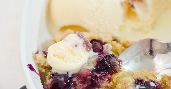 The most delicious Blueberry Dump Cake recipe ever! blueberries dessert recipes