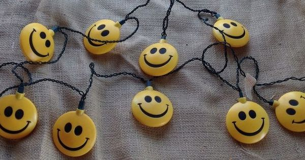 Vintage Smiley Face Blowmold Rv Party Outdoor Lights Set