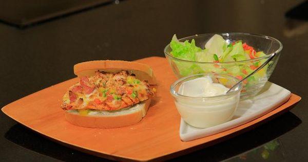 Cbc Sofra طريقة تحضير سندوتش دجاج بانيه بالهوت دوج شريف الحطيبي Recipe Recipes Food Avocado Toast