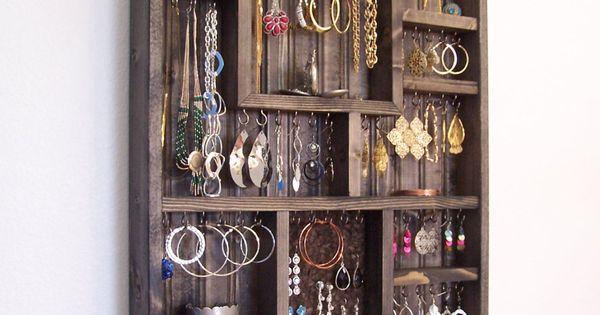 Bedroom decor jewelry holder organizer by barbwireandbarnwood id es rangement bijoux - Idee opslag cd ...