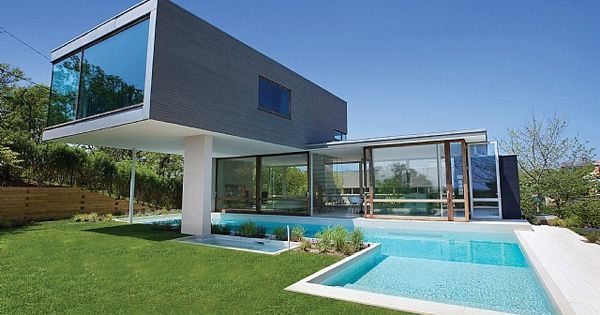 By Steven Harris Architects, Long Island