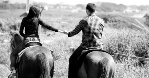 definitely want horseback riding at my wedding for the guest and kiddos