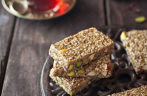 Pasteli - Greek Sesame & Honey Candy | It's GREEK to ME ...