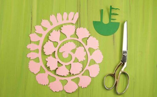 Rolled Paper Carnation Tutorial Free Svg Files Jennifer Maker Rolled Paper Flowers Paper Flower Patterns Paper Flower Tutorial