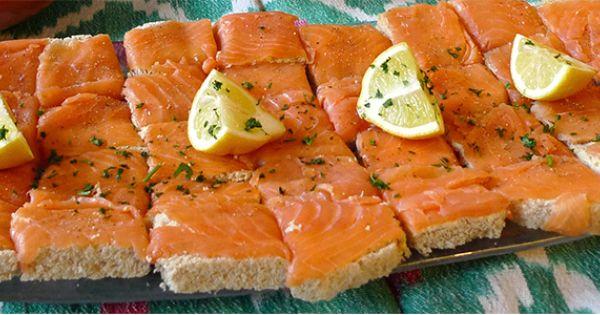 Canap s de salm n ahumado para navidad blogroyal royal for Canape de salmon ahumado