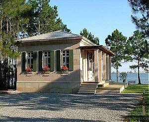 Waterfront Small Italian Guest House Made From Dac Art Blocks Cinder Block House Hurricane Proof House House Exterior