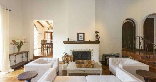 Check Out The Home I Found In Santa Monica In 2020 Spanish Style