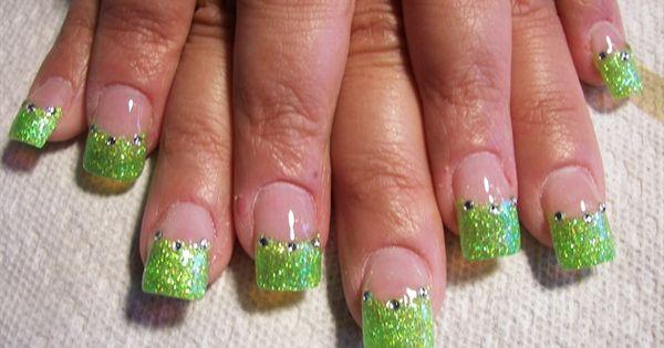 tinkerbell nail art - Needs a purple strip under the green ...