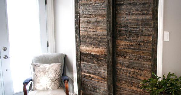 Sliding barn doors Porte de garde robe en bois de grange | Wood ...