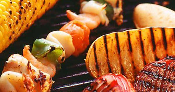 grillade fisk och skaldjursspett