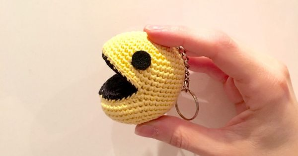 Pac-man - free crochet pattern in French with some English ...