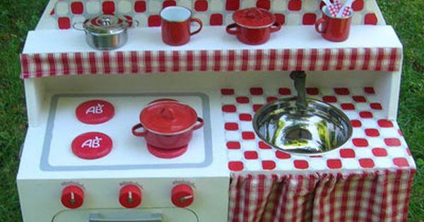 cuisini re en bois enfant fabriquer un jouet loisirs cr atifs playhouse kitchen kids. Black Bedroom Furniture Sets. Home Design Ideas