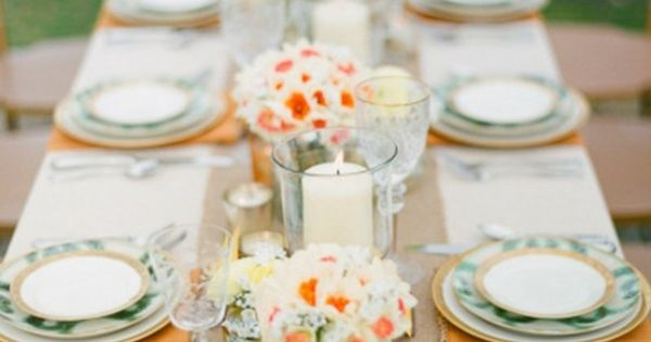 table setting. Love the burlap runner!