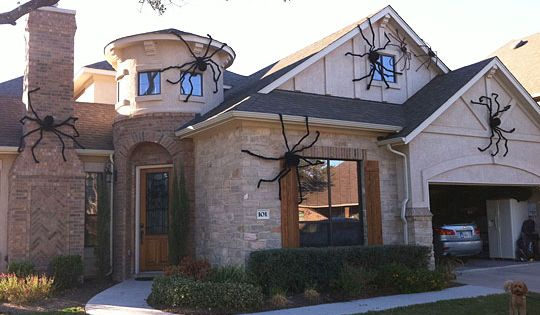 Halloween Idea for giant spiders