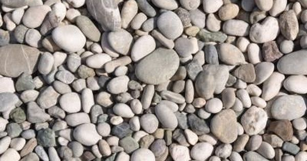 The Best Type Of Rock Gravel For Landscaping Hunker Landscaping With Rocks Rock Flower Beds Gravel Landscaping