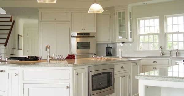 So much to like about this cape cod kitchen cape cod for Cape cod style kitchen cabinets