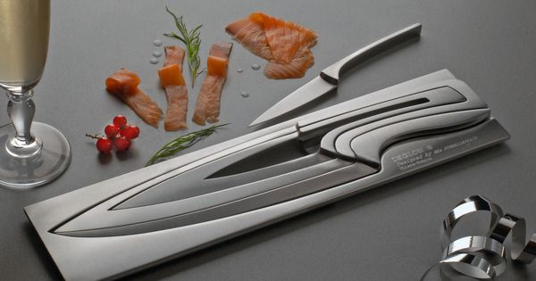 Designed by Mia Schmallenbach, the Deglon Meeting Knife Set won first prize