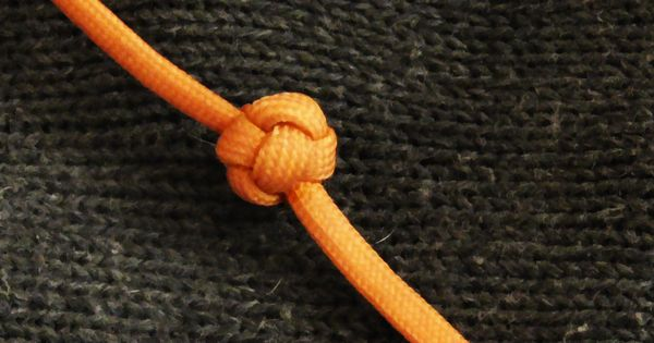 How To Tie A Paracord Celtic Button Knot Hand Wrap Style ...