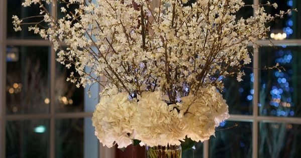 20 Spectacular Wedding Centerpiece Decor Ideas. To see more: www.modwedding.co... weddingcenterpiece