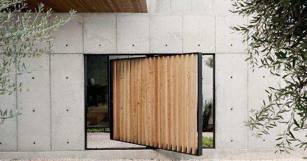 Christopher robertson concrete box house texas designboom for Concrete homes texas