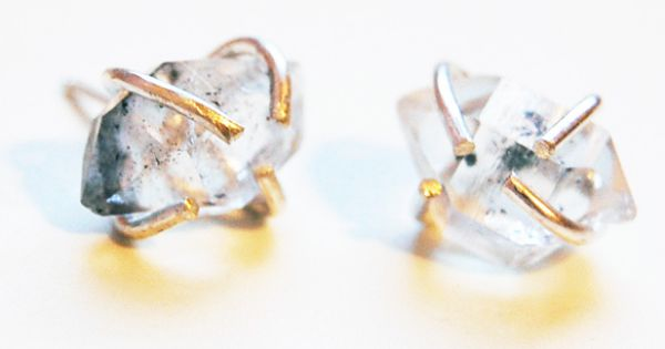 Quartz stud earrings