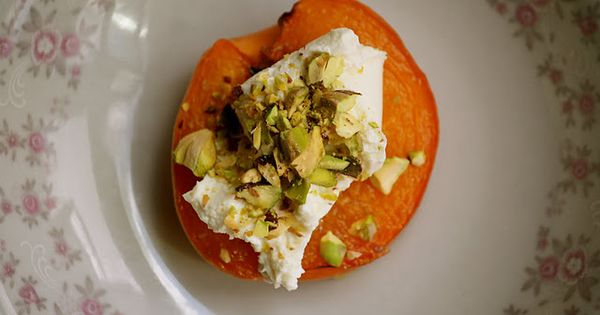 caramelized apricots with goat cheese and pistachios - http://www ...