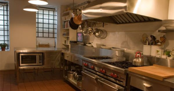 450 Square Foot Fully Equipped Commercial Kitchen Located In New York City Available On A Daily Or Weekly Basis Commercial Kitchen Kitchen Kitchen Cabinets